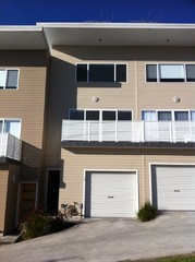 27/4 Crawford Lane Mount Hutton NSW 2290